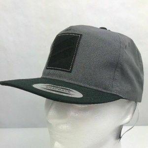 Hurley Mens Snapback Hat Flat Brim Icon Slash 2.0